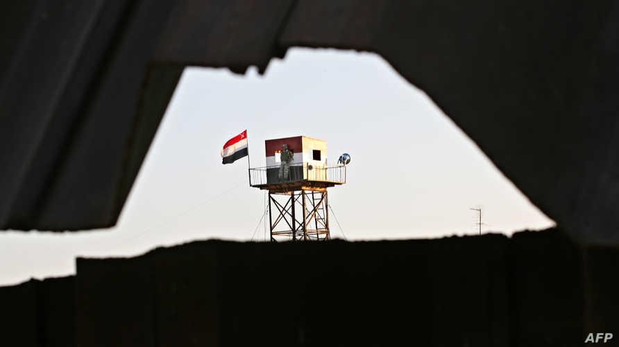 نقطة مراقبة على الحدود بين مصر وغزة