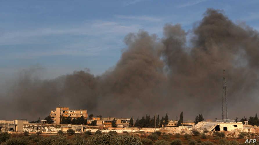 مطالبة أوروبية بوقف الهجوم العسكري في إدلب - الصورة لغارة جوية قرب نقطة مراقبة تركية شمالي سوريا