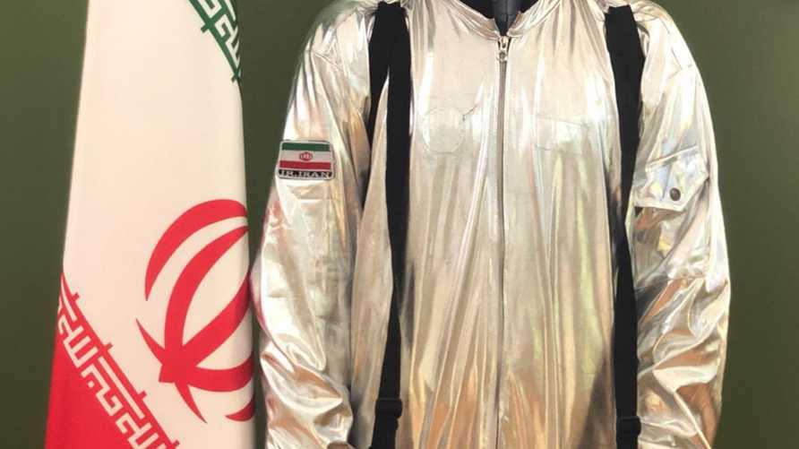 وزير الاتصالات الإيراني يدعي أن إيران أنتجت أول بدلة فضاء محلية ومغردون يقولون إنه زي هالووين