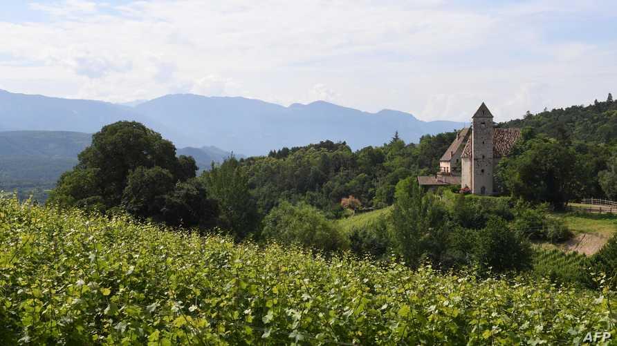 جانب من الريف الإيطالي - تعبيرية