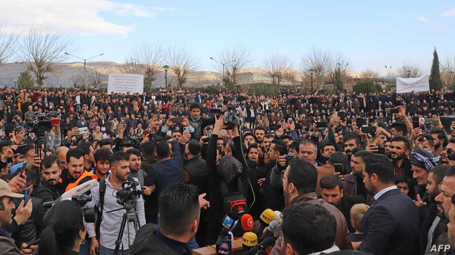 الآلاف يتظاهرون ضد الفساد وسوء الخدمات في السليمانية بإقليم كردستان العراق