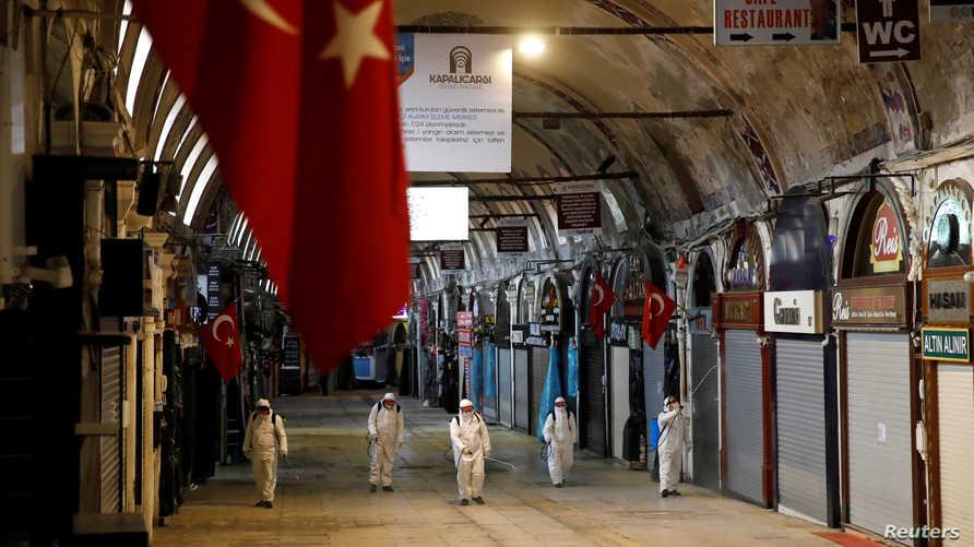 قفز عدد الإصابات في تركيا بواقع الثلث في يوم واحد إلى 5698 وزاد عدد الوفيات إلى 92