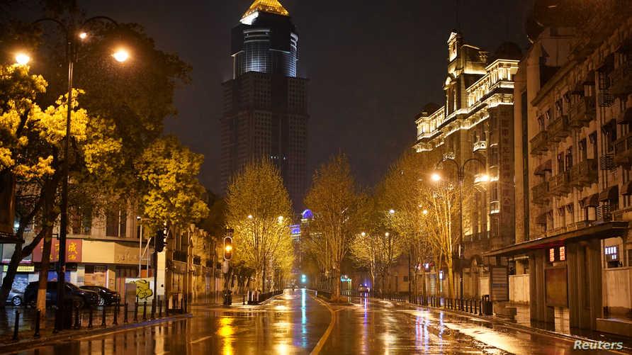 منطقة التسوق الرئيسية في مدينة ووهان الصينية بؤرة فيروس كورونا الذي أصبح وباء عالميا