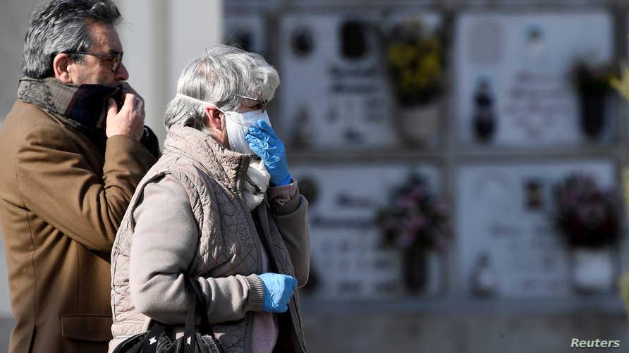 بهذه الحصيلة، تعتبر إيطاليا هي الأكثر تسجيلا لحالات وفاة مرتبطة بفيروس كورونا في العالم.