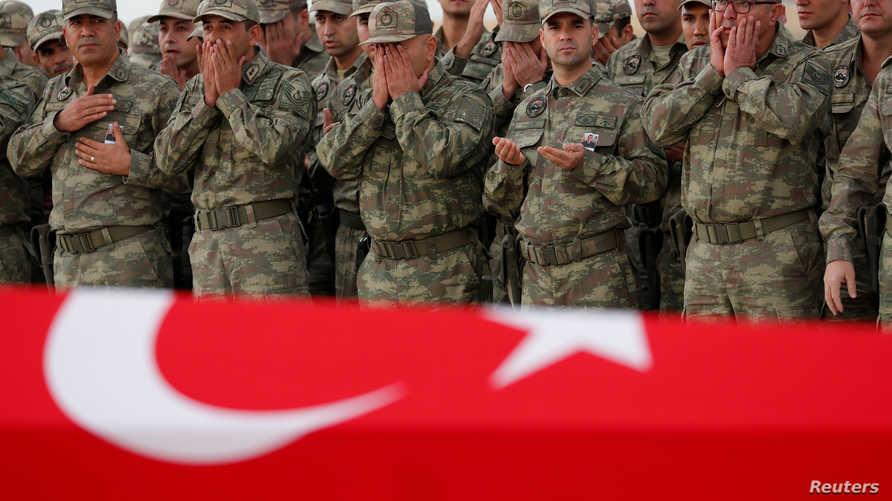 أكثر من 30 جنديا تركيا قتلوا في هجوم إدلب