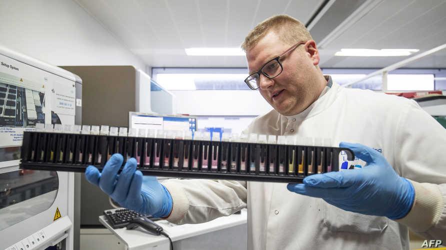 دراسة تبحث في علاقة الجينات بمدى شدة الإصابة بكورونا خاصة لدى صغار السن
