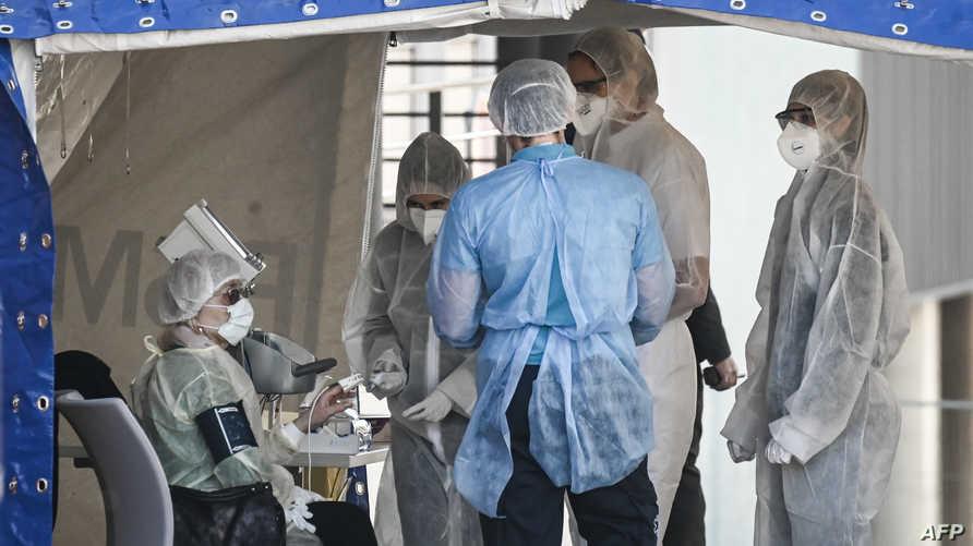 طبيب تخدير وإنعاش بمستشفى باريسي يروي يوميات عمله في معالجة مرضى فيروس كورونا المستجد