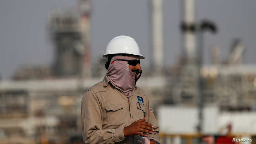 """تجتمع منظمة """"أوبك"""" مع عدد من منتجي النفط يوم الخميس، لاتخاذ قرارات بشأن خفض الإنتاج."""