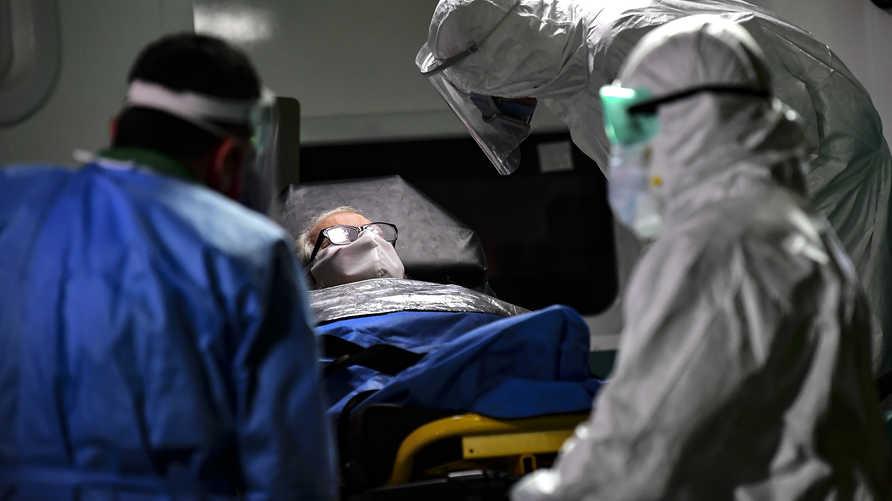 دراسة: كبار السن من الرجال أكثر عرضة للإصابة بفيروس كورونا وتدهور صحتهم
