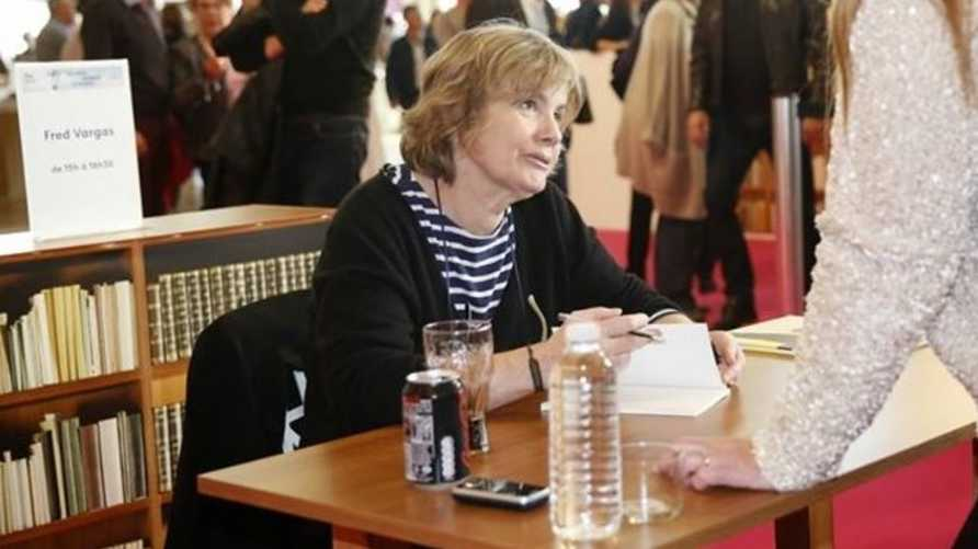 الكاتبة الفرنسية فراد فيرغاس