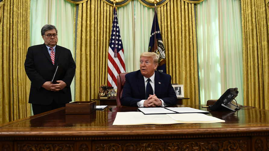 ترامب يوقع على قانون مثير للجدل
