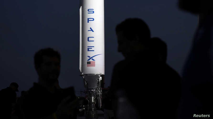 كانت سبيس إكس قد شهدت انفجار ثلاث نسخ من ذات الصاروخ خلال التجارب.