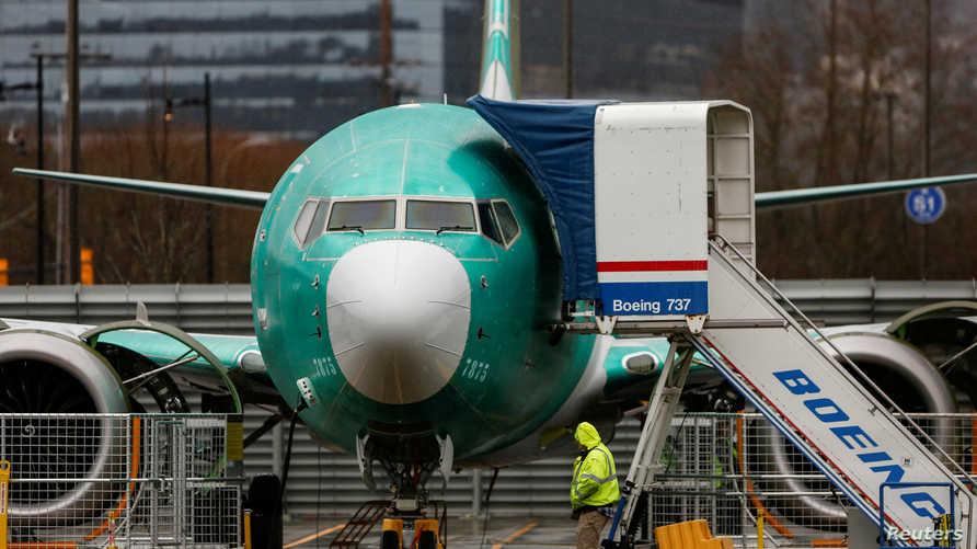"""توقفت بوينغ عن تصنيع """"737 ماكس"""" بعد تسببها بمقتل 346 راكبا."""