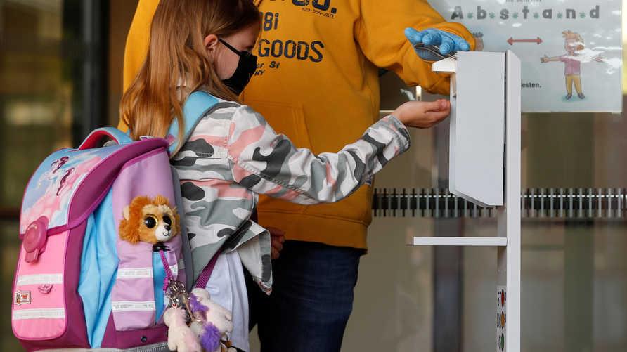 مخاوف من انتشار فيروس كورونا بين الأطفال عند إعادة فتح المدارس
