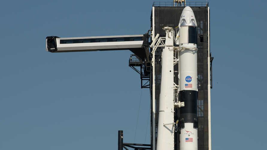 شركة سبايس إكس تستعد لإطلاق أول رحلة فضائية مأهولة