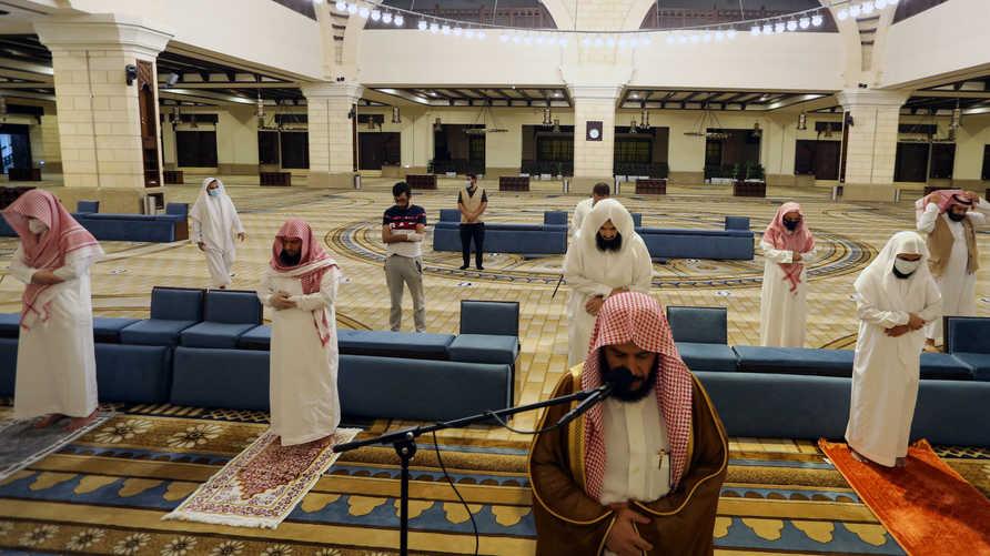 إعادة فتح المساجد في السعودية بقواعد وإرشادات جديدة