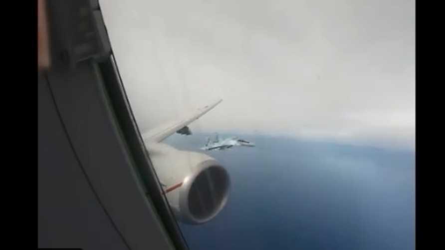 قالت البحرية الأميركية إن ما قام به الطيارون الروس عرَّض سلامة الطائرة للخطر