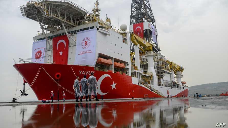 إحدى حفارات النفط البحرية التابعة لتركيا في شرق المتوسط