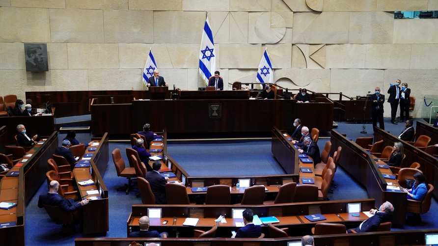 النائب المصاب بكورونا في الكنيست الإسرائيلي طالب كل من كانوا بقربه مؤخرا بالتزام الحجر