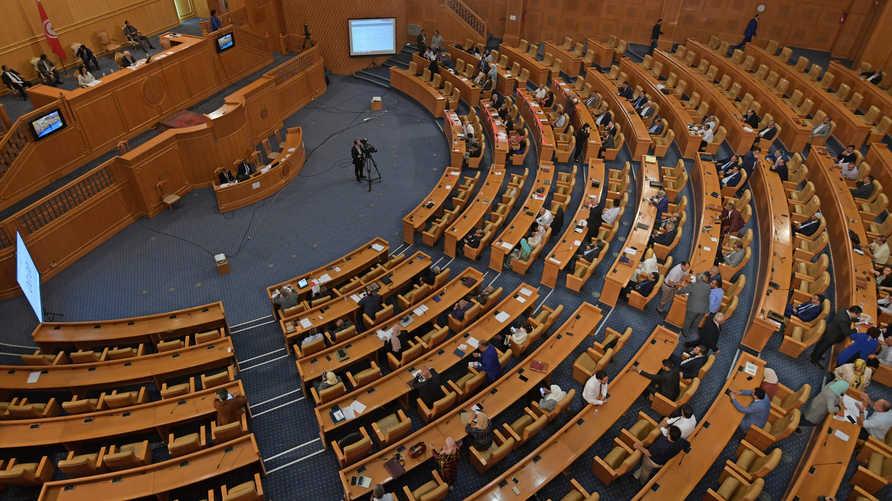 نقاشات ساخنة في البرلمان التونسي أثناء مساءلة الغنوشي
