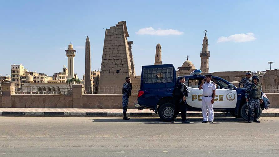 الشرطة المصرية تعتقل 15 قبطيا احتجوا على اختفاء ابنتهم التي  أعلنت إسلامها