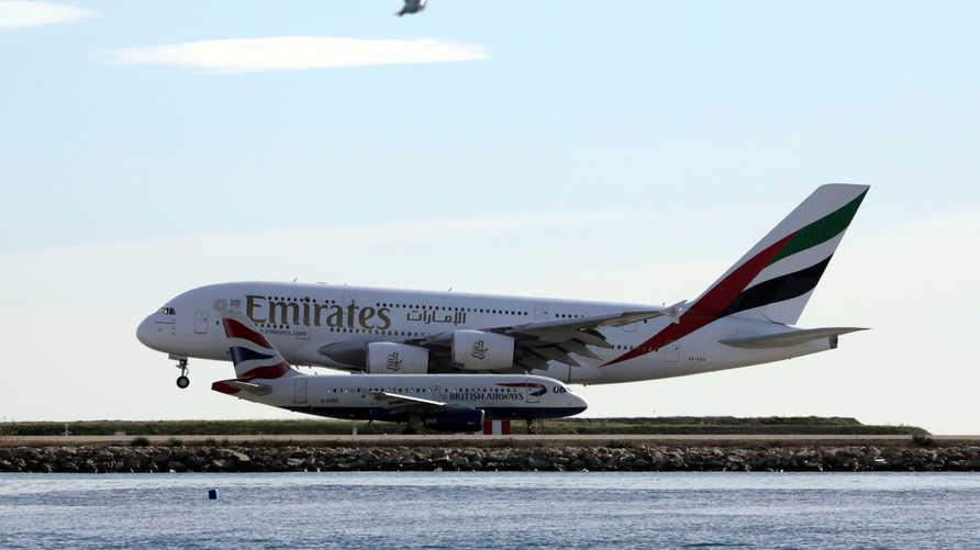 طيران الإمارات تستغني عن مجموعة من موظفيها وتعلن أن الشركة تحتاج إلى 4 سنوات لعودة الأمور إلى طبيعتها