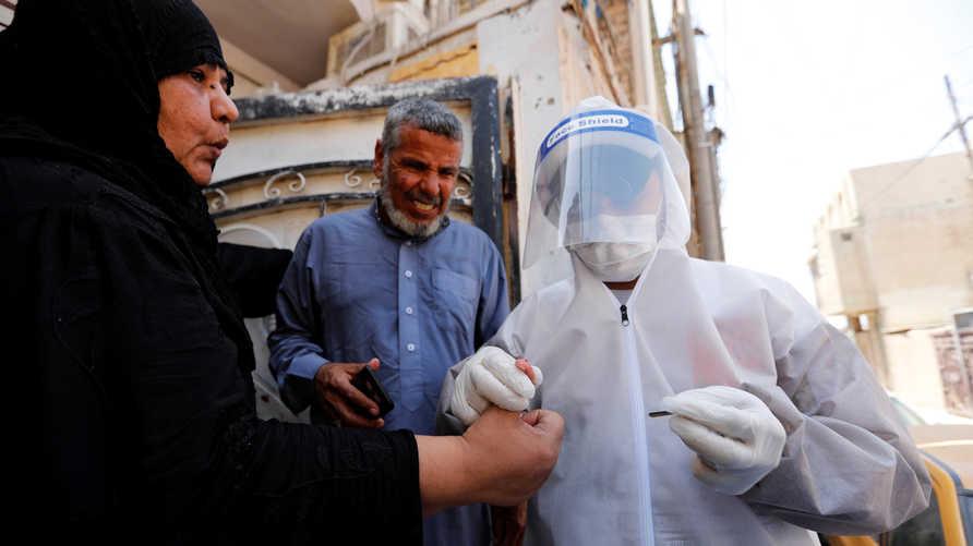 يرى العراقيون أن داعش أكثر فتكا من فيروس كورونا