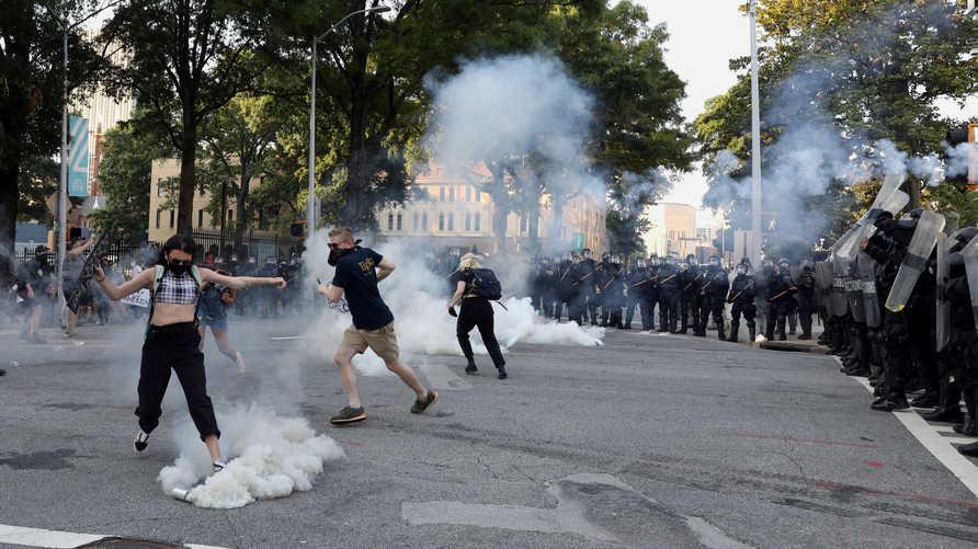 أزال تويتر حساب لحركة أنتيفا  يحرض على العنف في الاحتجاجات الأميركية