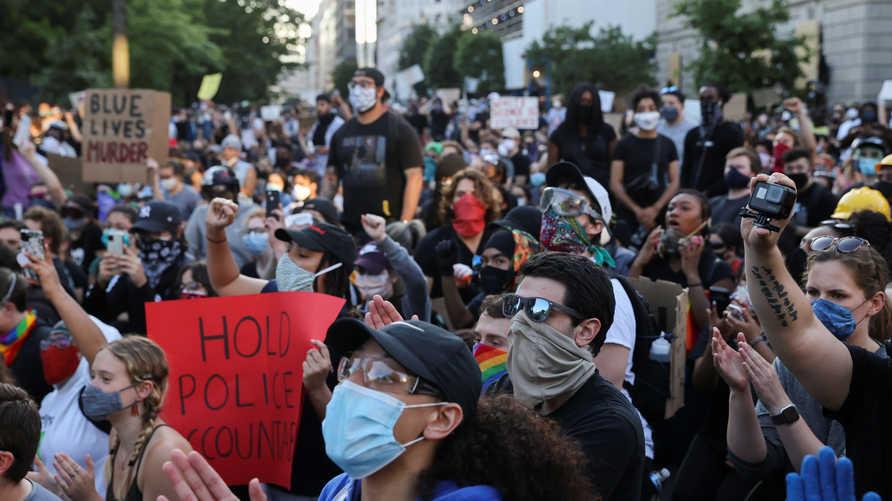 64% من الأميركيين يتعاطفون مع المظاهرات المنددة بمقتل جورج فلويد على يد شرطي