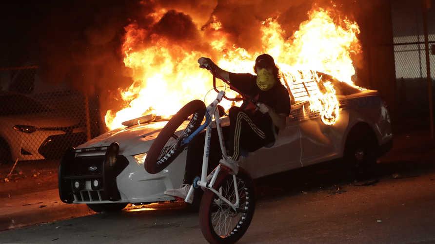 الكثيرون يرون أن أعمال العنف والتخريب تنسف قضية الاحتجاجات الأميركية