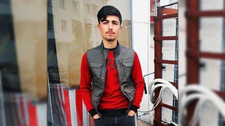 الشاب الكردي باريش جاكان