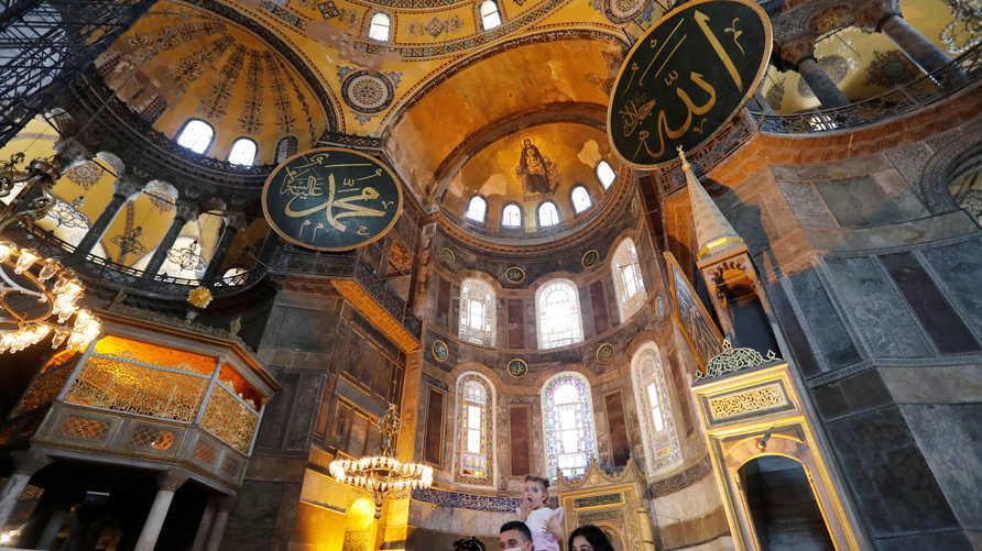 يسعى أردوغان لتحويل كنيسة آيا صوفيا إلى مسجد