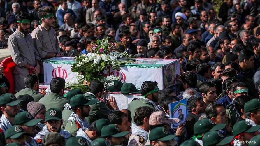 عنصران من الحرس الثوري الإيراني قتلا بغارة من طائرة مسيرة استهدفت سيارتهما قرب الميادين
