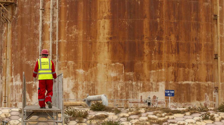 يعمل الآلاف من الصينيين في قطاع النفط والطاقة العراقي