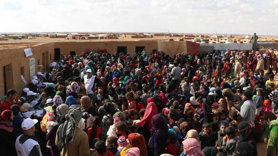 مخيم الركبان يقع بمنطقة صحراوية  قاسية ومحاصر من قبل قوات النظام السوري