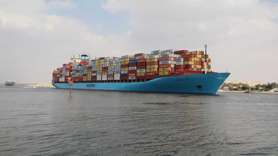 כשל באוניות גורם להאטה בניווט בתעלת סואץ