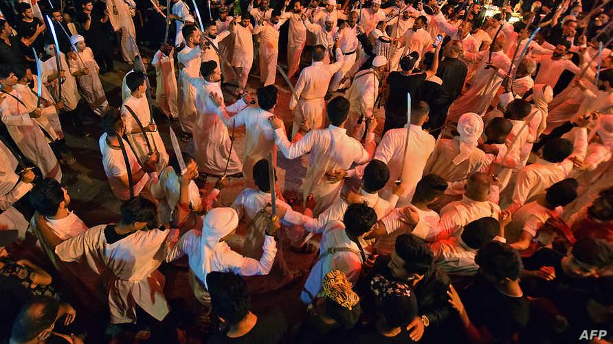 حشود في كربلاء لإحياء عاشوراء