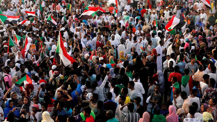 احتجاجات عارمة شهدتها دول في الشرق الأوسط منذ 2018