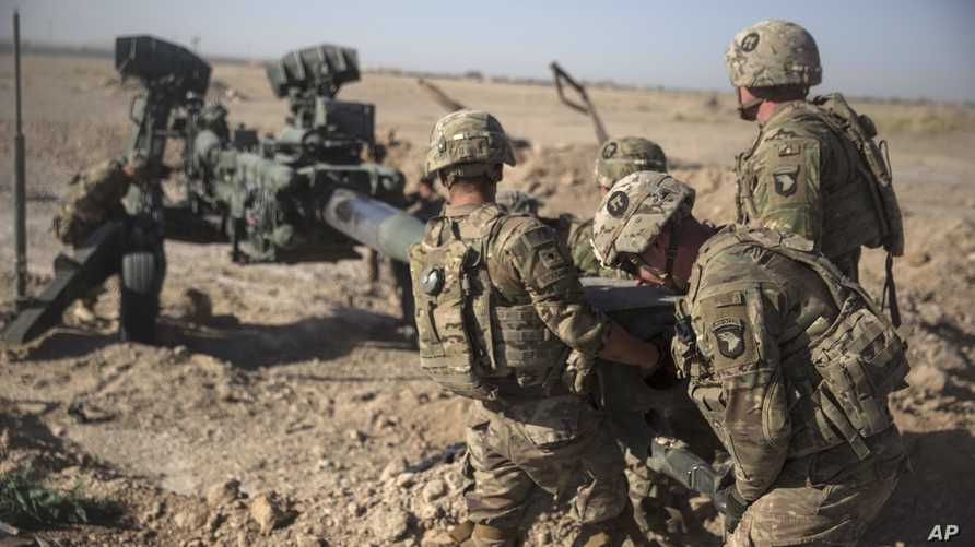جنود أميركيون في أفغانستان. ووقعت الولايات المتحدة وطالبان اتفاق سلام ينص على خفض أعداد القوات الأميركية خلال 135 يوما من 12 ألفا إلى 8600 جندي