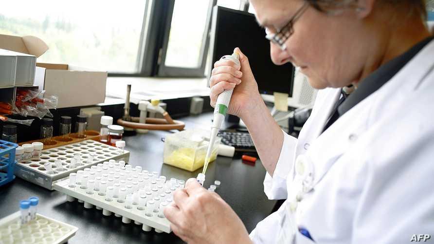 تسابق الشركات لإنتاج لقاح جديد لفيروس كورونا المستجد