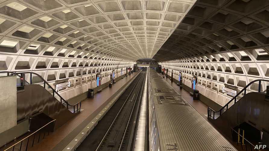 خلو مترو الأنفاق في واشنطن العاصمة من الركاب