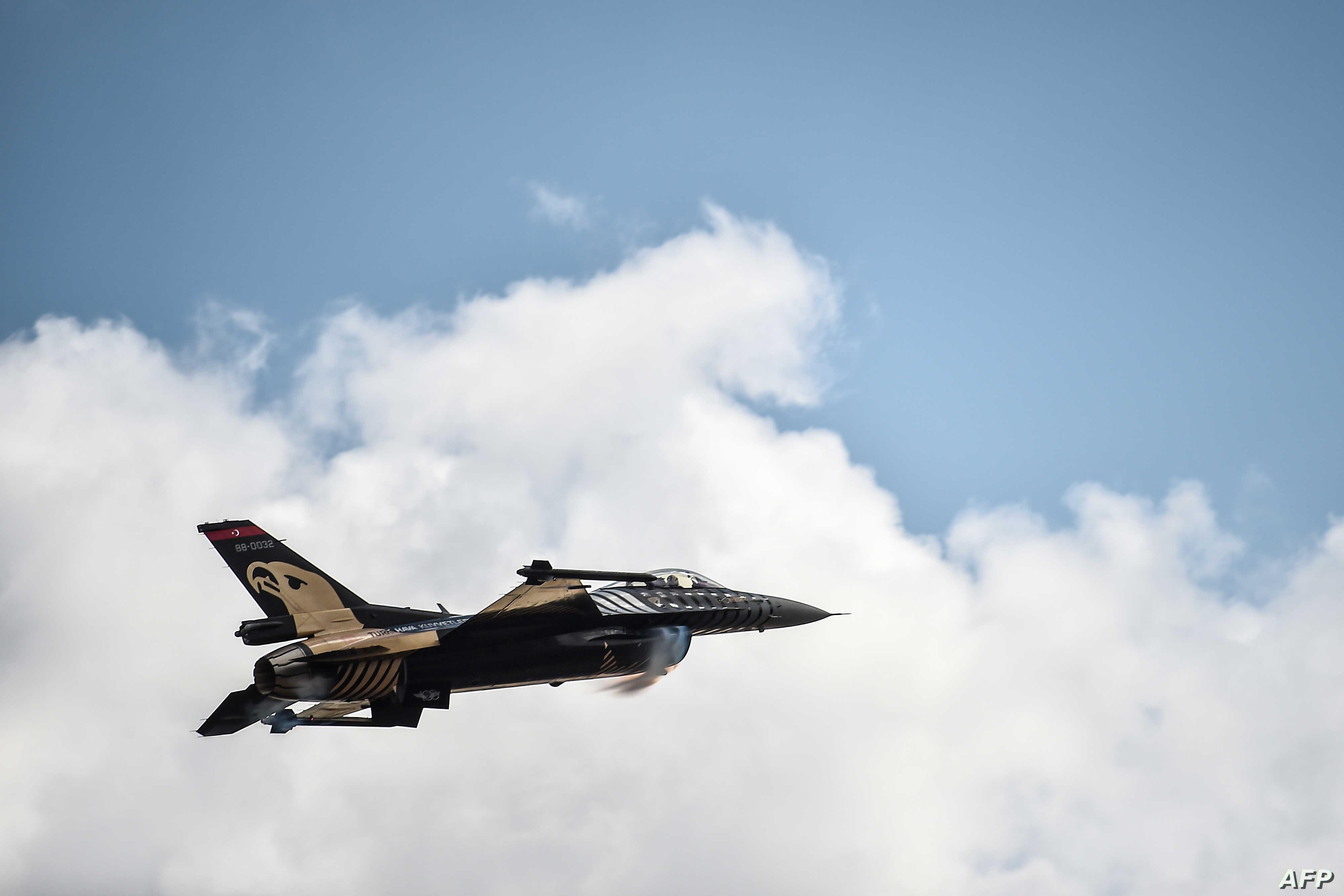 تحذير من صراع طائرات في ليبيا
