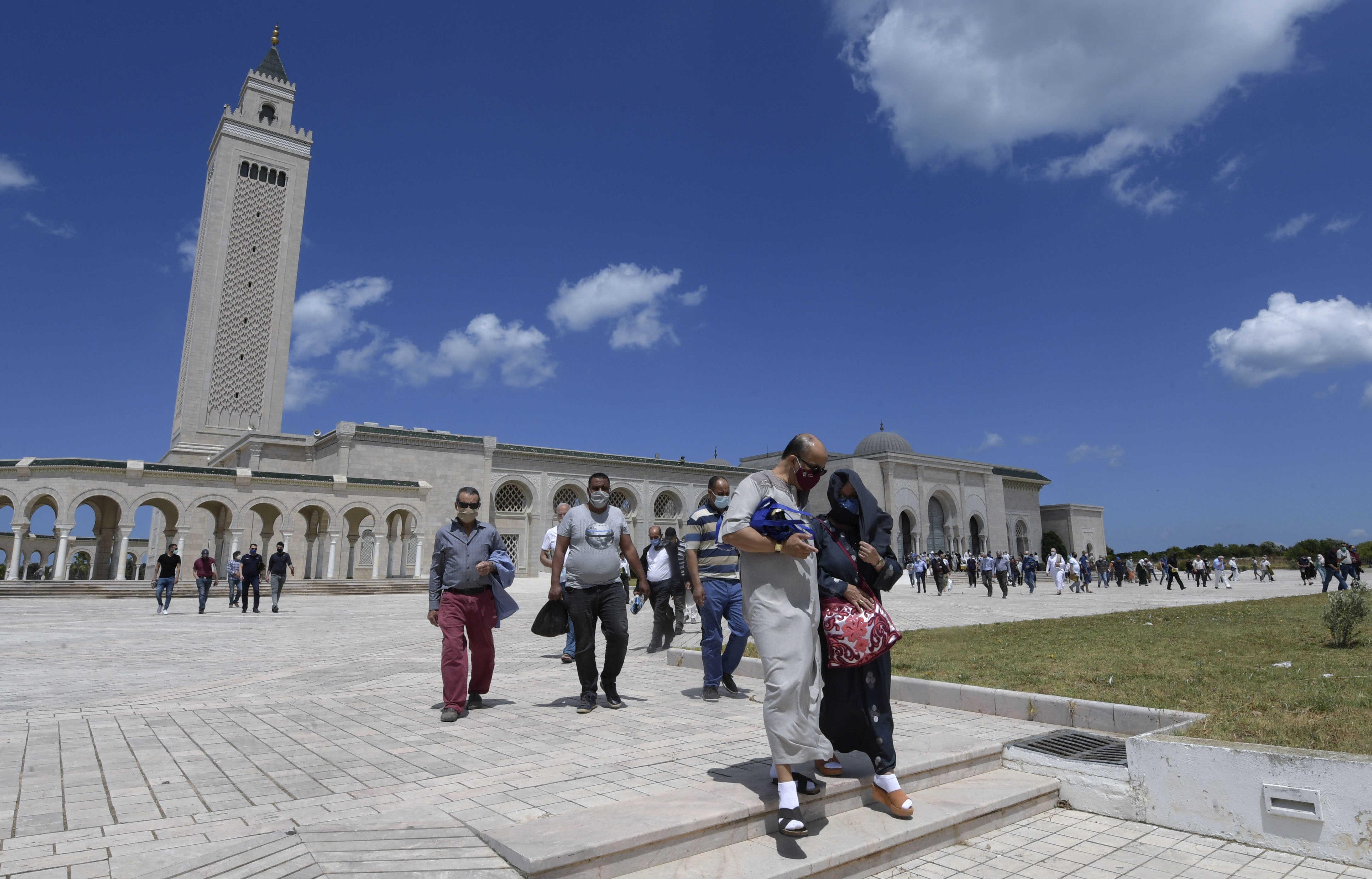 تونس تنهي حظر التجول بعد إعلان السيطرة على فيروس كورونا | الحرة