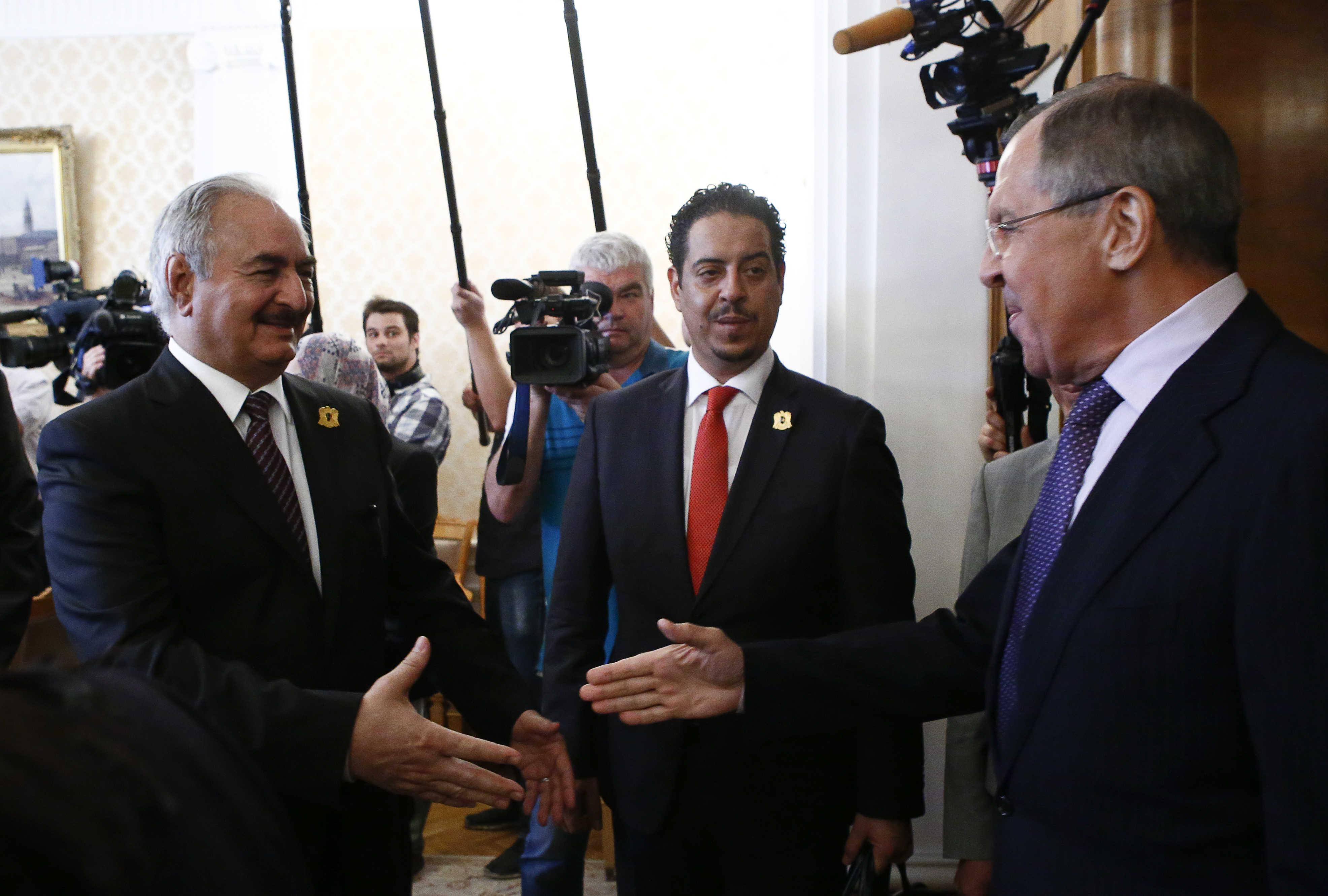 صحيفة: روسيا غير متمسكة بحفتر وهذا ما تبحث عنه في ليبيا | الحرة