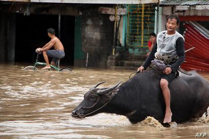 الفيضانات وانهيارات الأتربة تسببت في سقوط ضحايا في عاصفة الفلبين