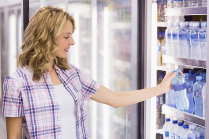 الأميركيون يشترون قناني المياه أكثر من المشروبات الغازية