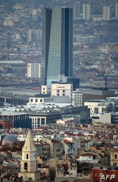 مبنى لإحدى شركات الشحن العالمية في مدينة مرسيليا بفرنسا ويرتفع 147 مترا.