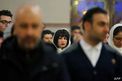 إيرانيون مسيحيون .. ضحايا التضييق
