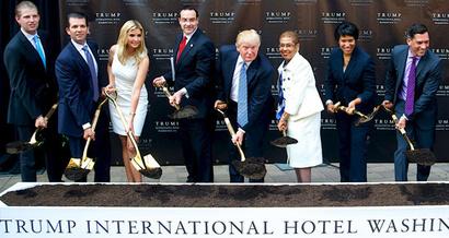 لحظة إطلاق مشروع بناء فندق في العاصمة واشنطن