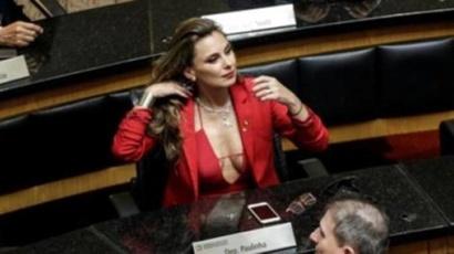 النائبة في البرلمان البرازيلي أنا باولا دا سيلفا